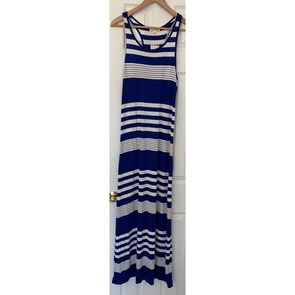 Rolla Coster Dresses & Skirts - NWT Roller coaster Maxi Dress